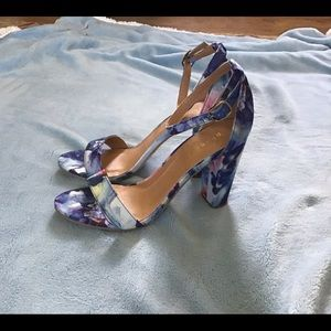 Bamboo watercolor fabric covered heels, NWOB, 9/39